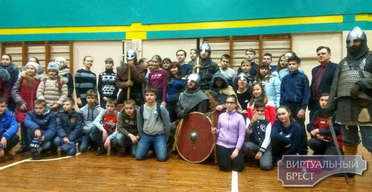 Северный вепрь. Путешествие в эпоху викингов устроили школьникам