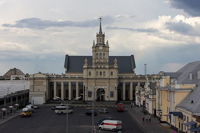 Итоги первого месяца безвиза для иностранцев подвели в Брестском горисполкоме