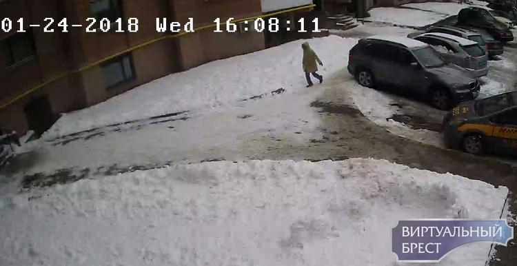 Мужчина подозревается в краже велосипеда, есть видео