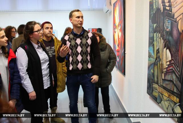 """Выставка """"Усе разам-5"""" открывает новые имена в изобразительном искусстве Бреста"""