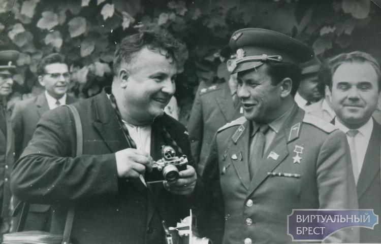 """В Бресте открылась выставка """"Город и люди в объективе фотокамеры. XX столетие"""""""