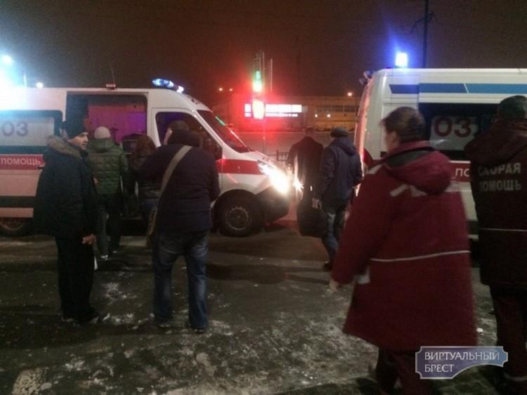 ДТП на перекрёстке ул. Орловская-Гаврилова, перевернутая маршрутка