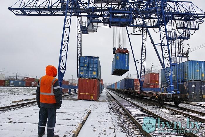 Больше 100 тысяч контейнеров прошло за год через «Брест-Северный». Половина из них китайские