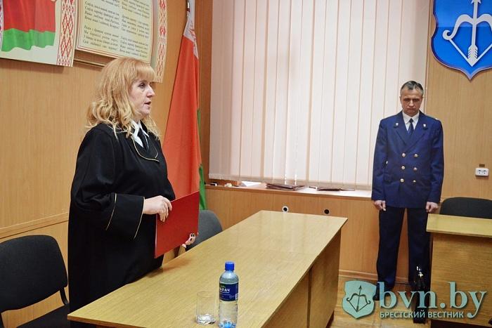 За уклонение от армии брестчанин получил 100 часов общественных работ и  штраф