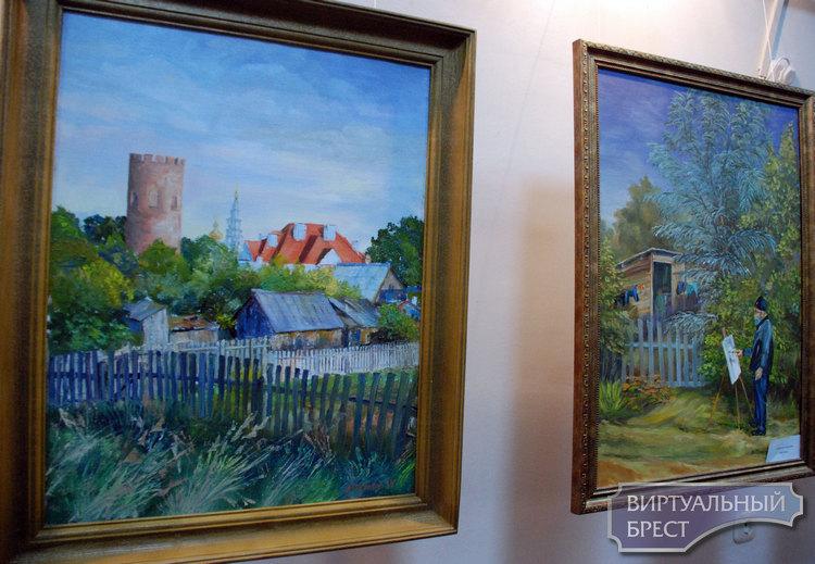 Открылась выставка живописи и резьбы «У стен Белой Вежи»