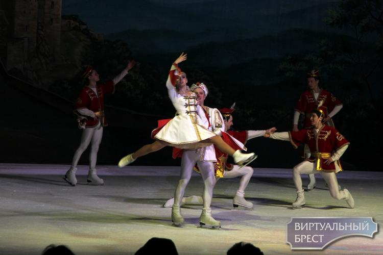 «Лебединое озеро», бессмертный балет на музыку Чайковского представили в Бресте