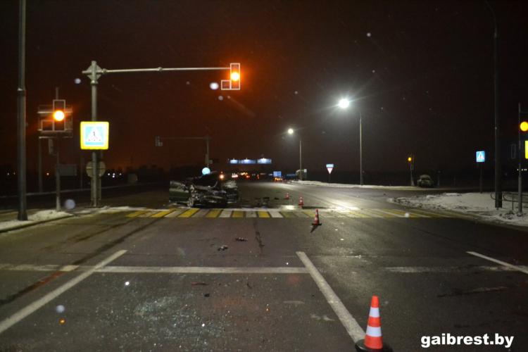 В ГАИ рассказали обстоятельства аварии у Тельм-2: травмированы 3 человека, виновник пьян