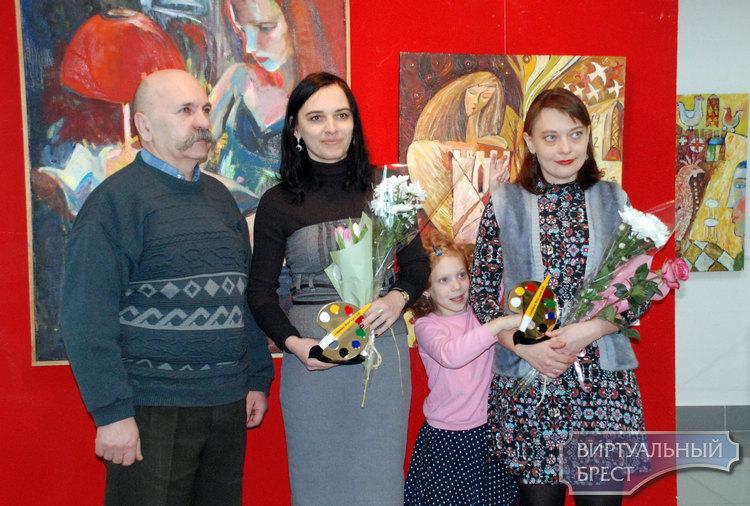 Выставка картин и графики Натальи Скарга и Светланы Волосюк «8 Марта» работает в Бресте