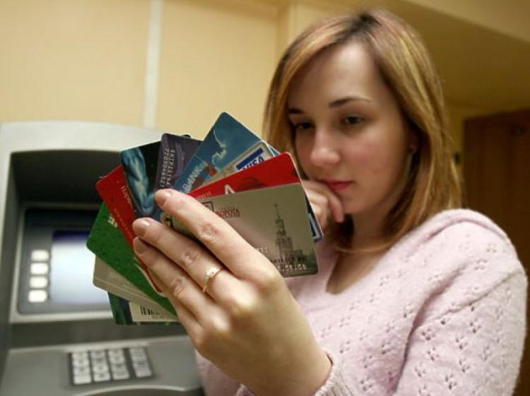 Брестчанка рассказала, как с её двух карт исчезали деньги. И банк ничего не смог сделать