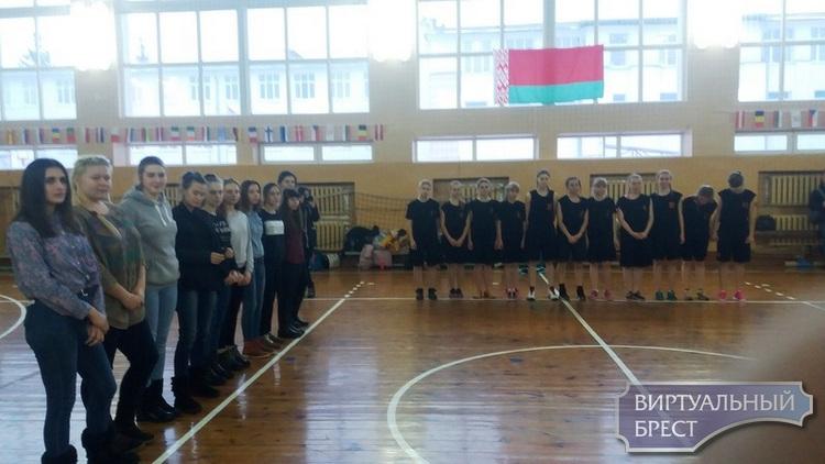 Подведены итоги первенства по волейболу среди девушек памяти воина-афганца В.И.Хована