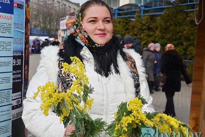 Поздравление брестчанкам от руководства города с 8 марта