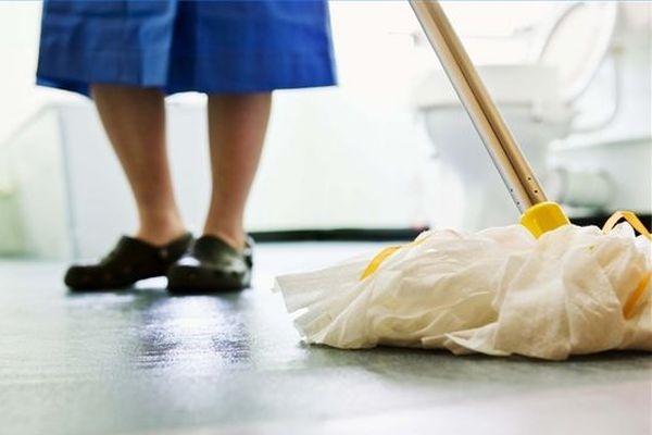 Уборщица одной из школ Бреста украла кошелёк с деньгами у учительницы начальных классов
