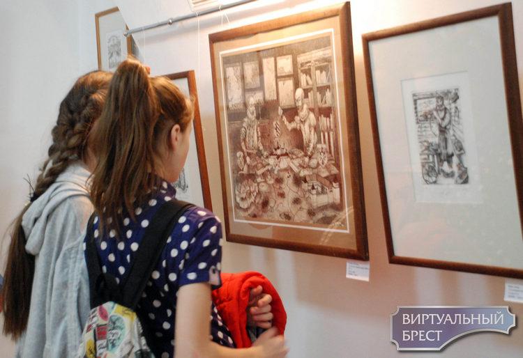 Открылась большая выставка учащихся Детской школы искусств «От Берестья до Бреста»