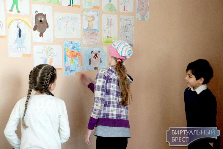 Детская выставка «Я так вижу:)» открылась в СШ №18 г Бреста
