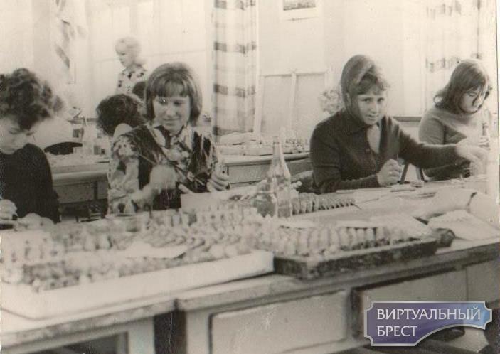 Брестская фабрика сувениров «Славянка»  в 40-летней истории Московского района