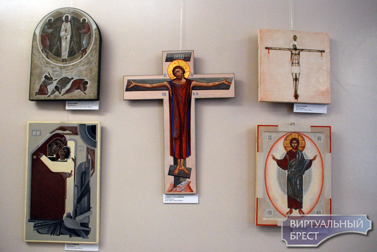 В Бресте открылась выставка «Обожествлённое тело»