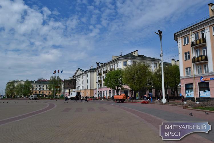Как выглядит площадь Ленина в Бресте без привычных всем елей