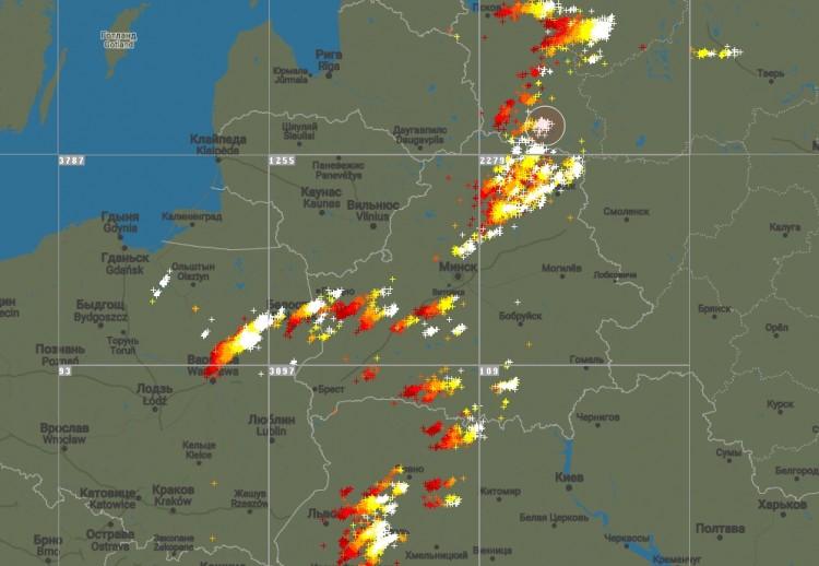 Штормовое предупреждение объявлено в Беларуси на вечер 1 мая