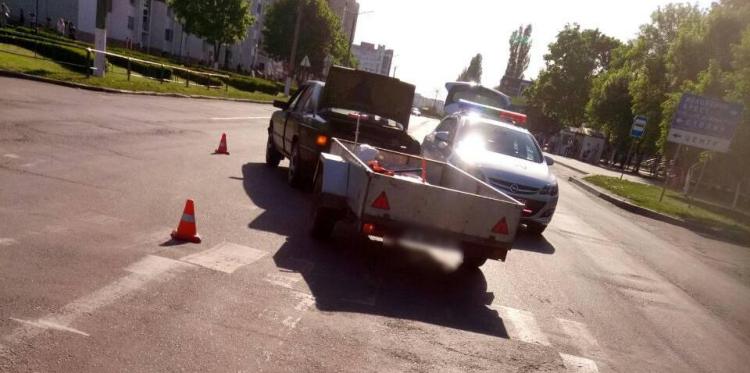 """Пинск: """"бесправник"""" на пешеходном переходе совершил наезд на 2-летнюю девочку"""