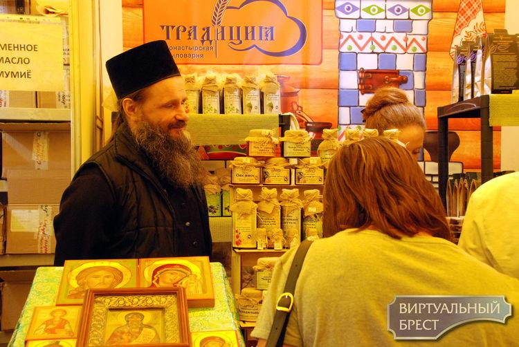 До 13 мая работает в Бресте православная ярмарка «Радость»