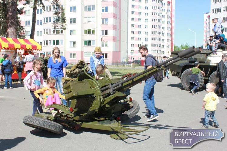 Традиционный праздник, посвященный Дню Победы, состоялся в микрорайоне «Южный»