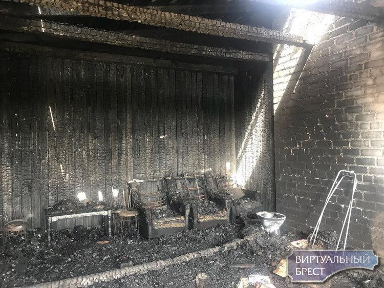 Брестчанка с мужем и детьми спаслась от ночного пожара в собственном доме благодаря АПИ