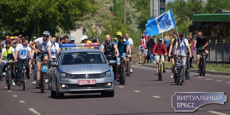 """Велофестиваль """"Без мотора"""" проходит сегодня в Бресте"""