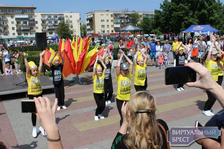 Праздник «УПричала» прошел в Ленинском районе на Набережной