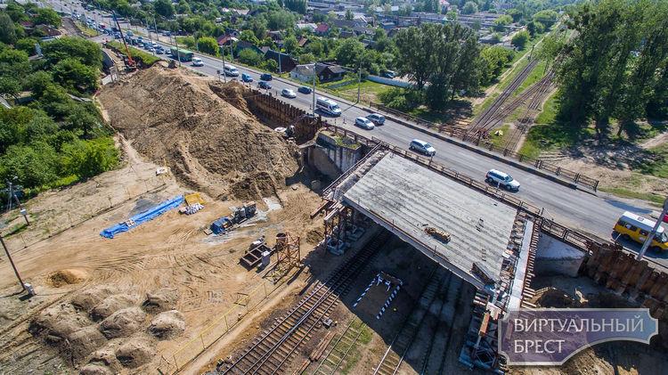 Это лайк! Реконструкция Кобринского моста сверху впечатляет масштабностью работ