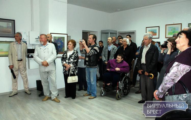 17 мая в Выставочном зале на Советской открылась выставка картин Константина Колодича