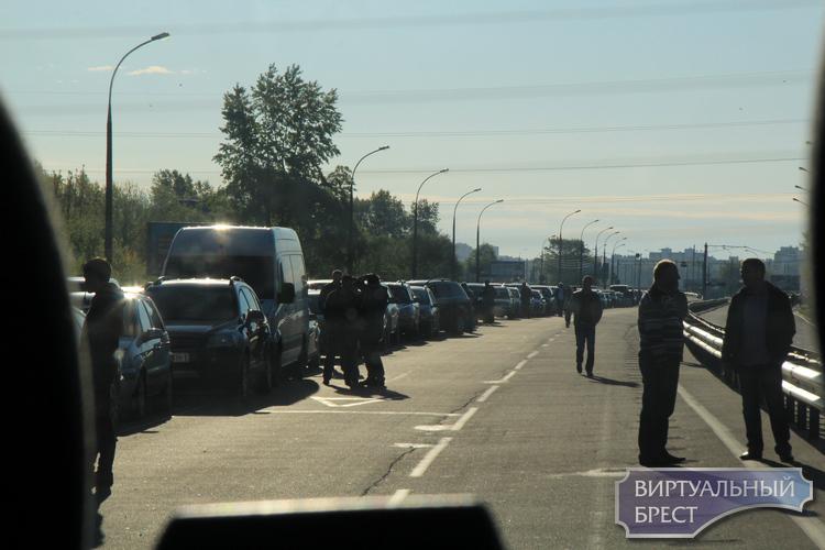 """Мытарства иностранцев на подходах к Беларуси. Ожидания и реальность """"безвиз"""""""