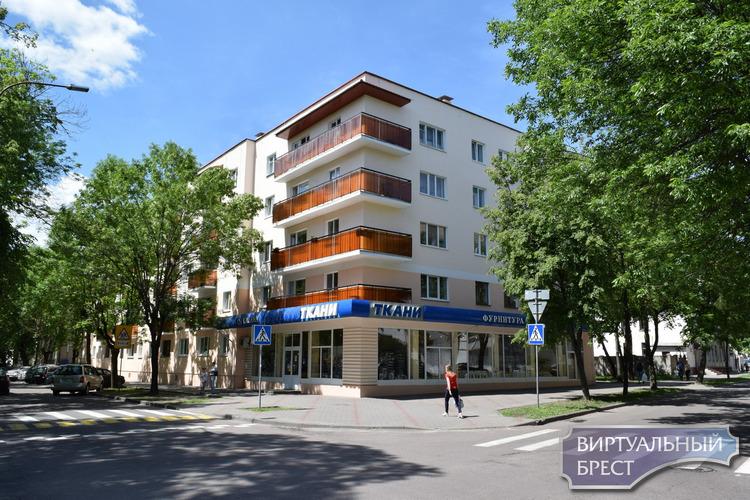 Жильцы дома по улице Гоголя отказались от строительства автостоянки во дворе. Почему?