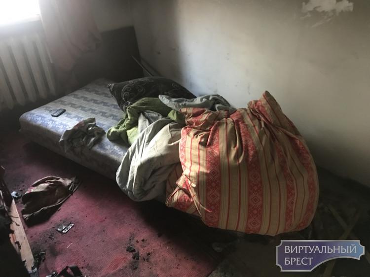 Ночью при пожаре в квартире спасли мужчину. Диагноз - алкогольная интоксикация