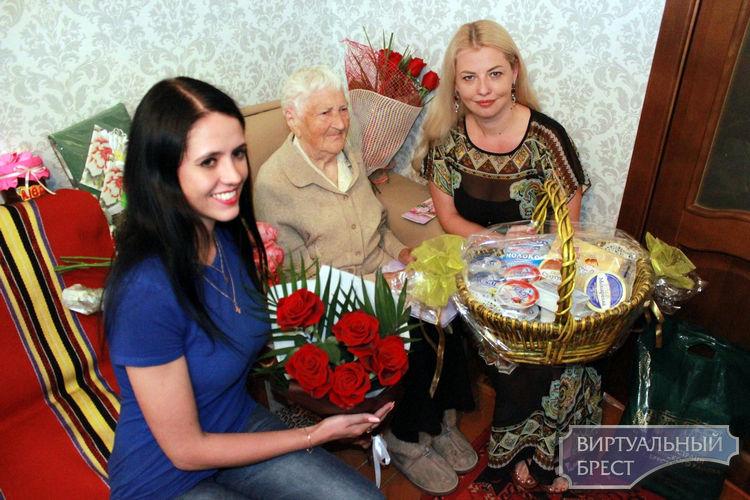 Брестчанка Екатерина Михайловна Молибошко отпраздновала 100-летний юбилей