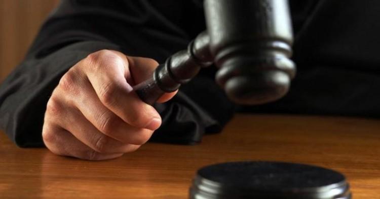 В Бресте за пособничество в уклонении от таможенных платежей осудили таможенника и пограничника