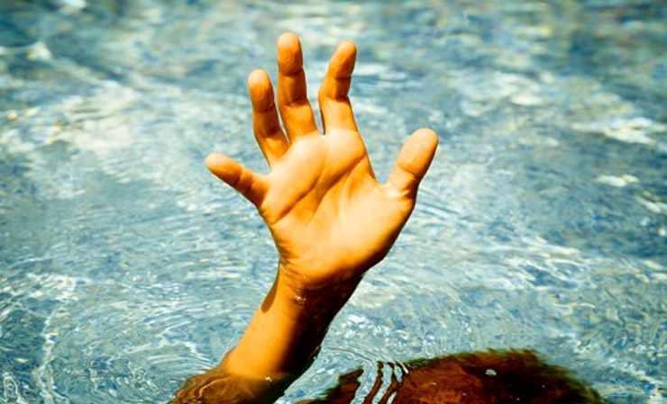 В Столинском районе мужчина переходил вброд реку и утонул