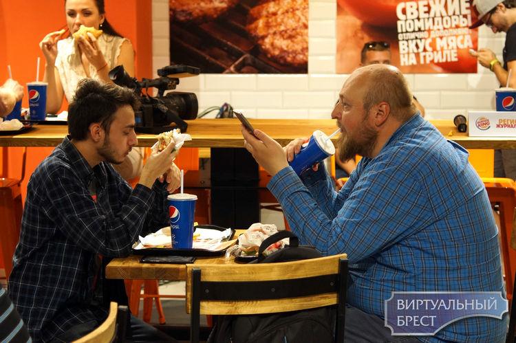 """""""Новый, но уникальный!"""". Второй «Burger King» открылся в Бресте на Махновича"""