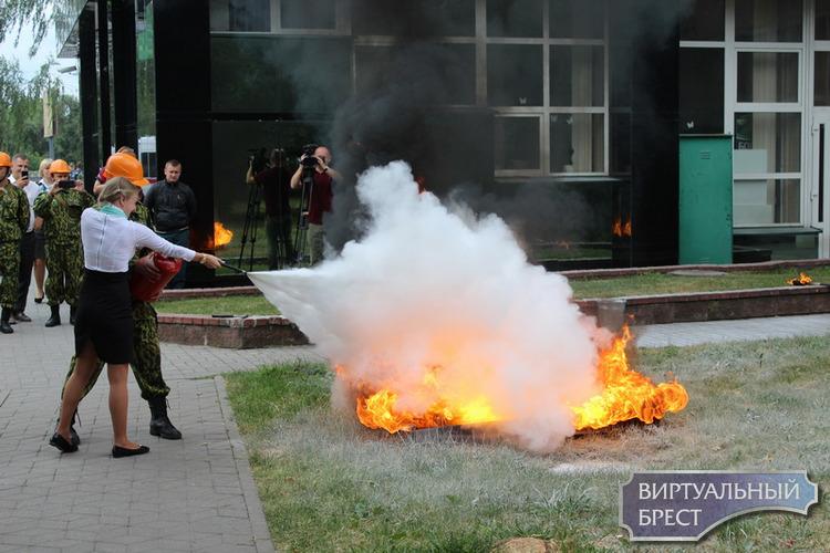 Спасатели провели учения в филиале №100 АСБ Беларусбанка