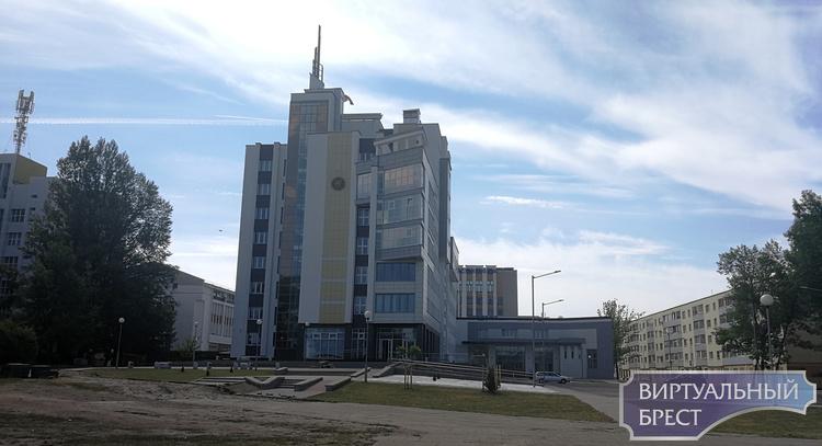 """Налоговые инспекции области и Бреста """"переехали"""" в новое здание"""
