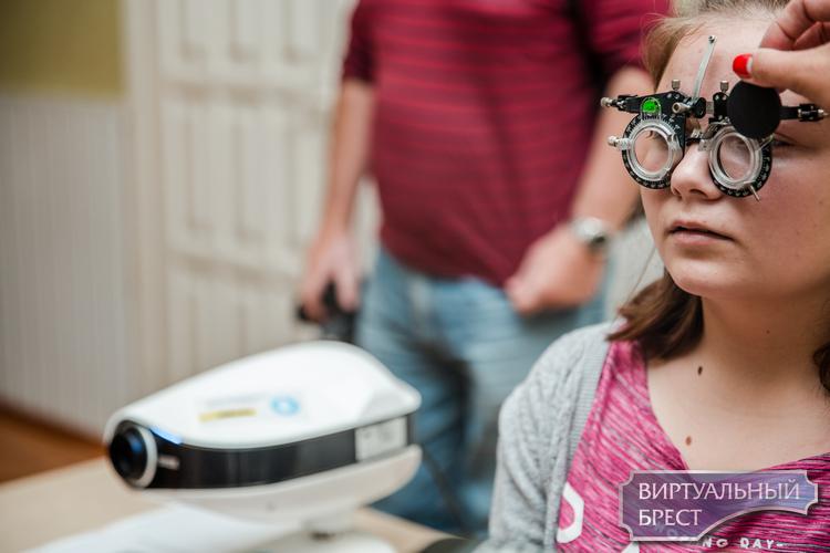 В Брестской области проект «Я вижу!» проверил зрение у 6000 сельских школьников