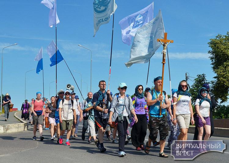 В путь длиною 537 километров. Паломничество Пинской епархии Католической церкви в Будслав