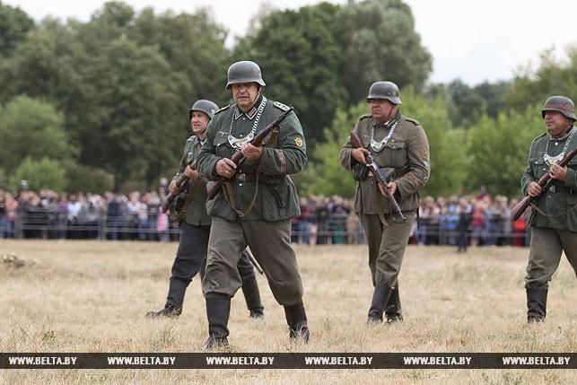 Реконструкторы воссоздали ключевые моменты обороны Брестской крепости