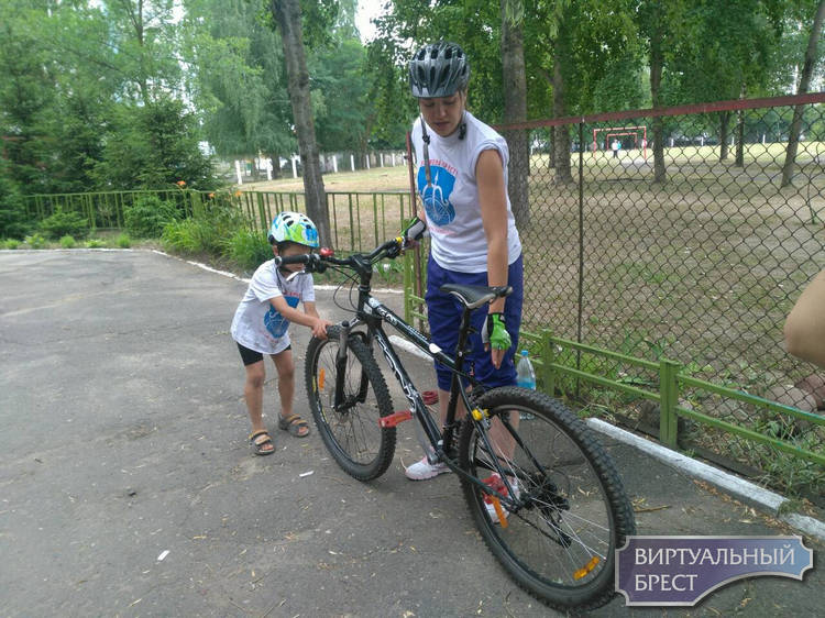 «За вело Брест» проводит работу в детских лагерях со школьниками