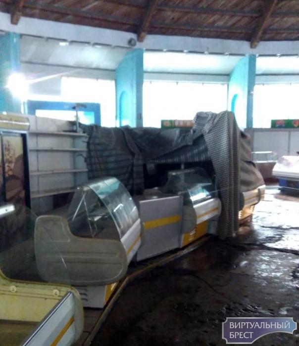 Ночью загорелась холодильная установка на Брестском рынке