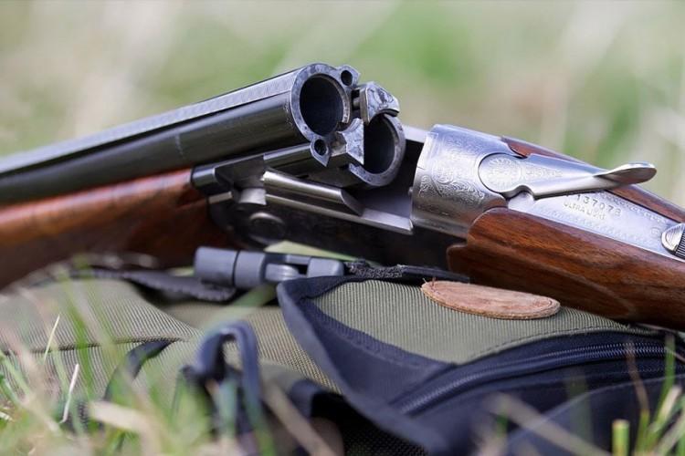 В Ляховичском районе у россиянина изъяли боевой арсенал и самогон
