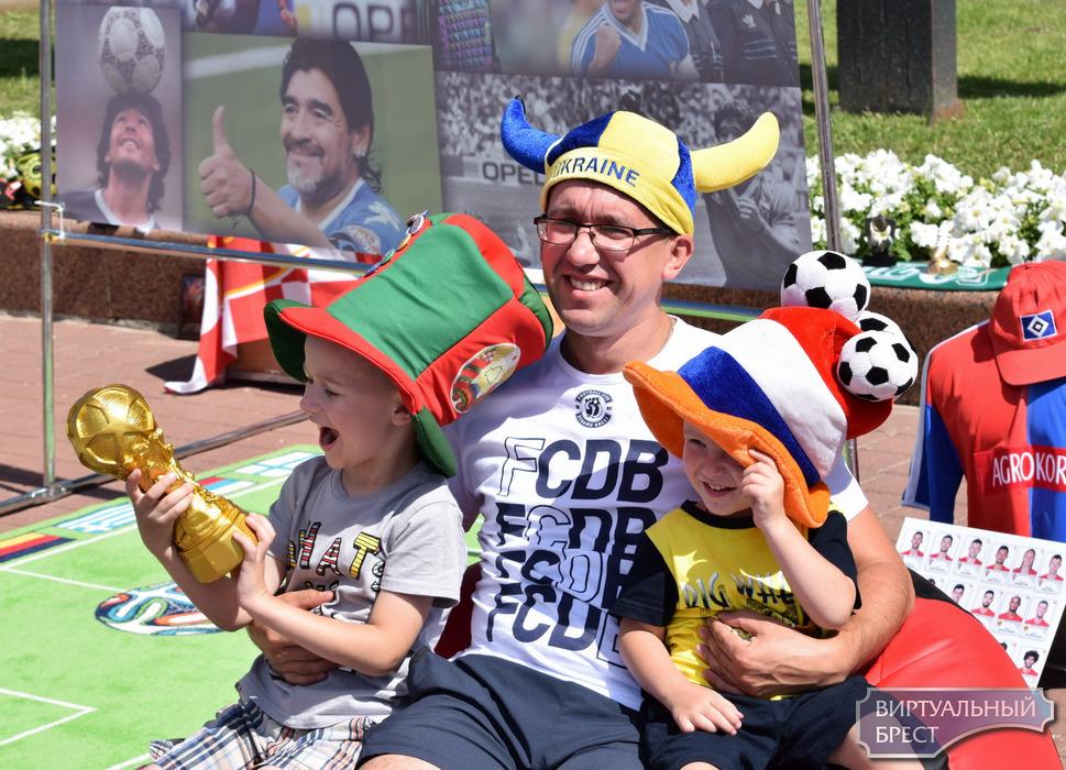 Футбольный фестиваль состоялся на площади им. Ленина в городе Бресте 8 июля