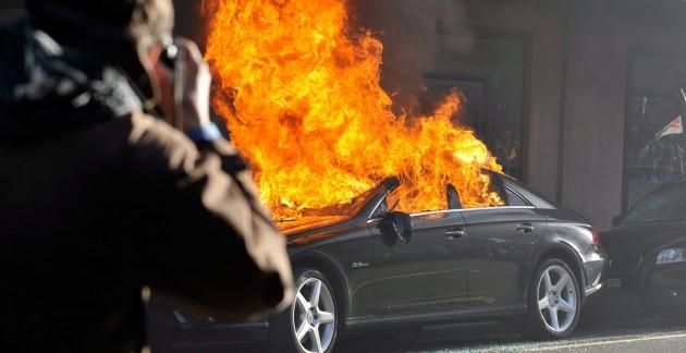 Мужчина совершил поджог двух автомобилей в Бресте на ул. Горького