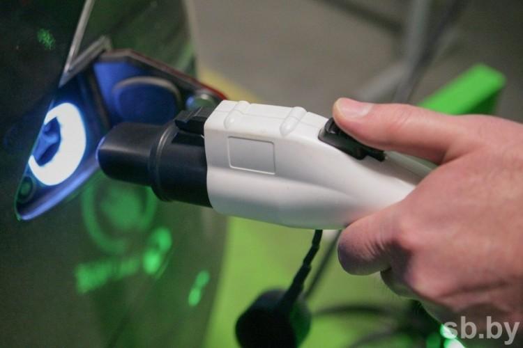 «Белоруснефть» увеличит до конца года число станций для зарядки электромобилей до 100