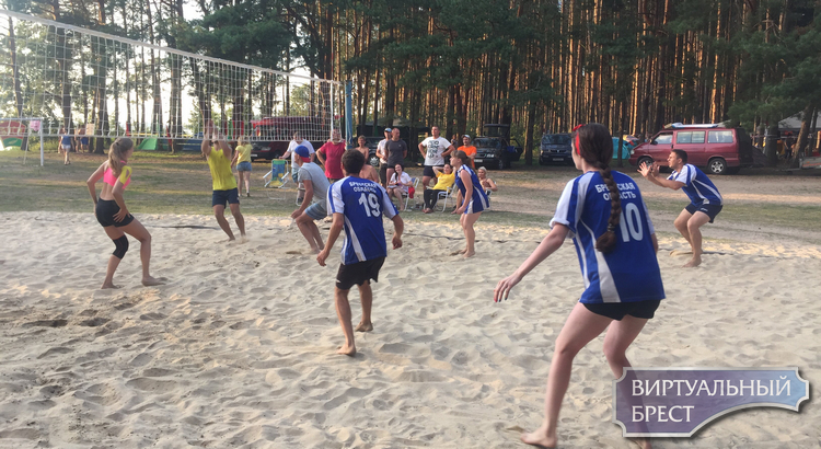 Победу на молодежном форуме «Прибужье-2018» одержала команда города Бреста
