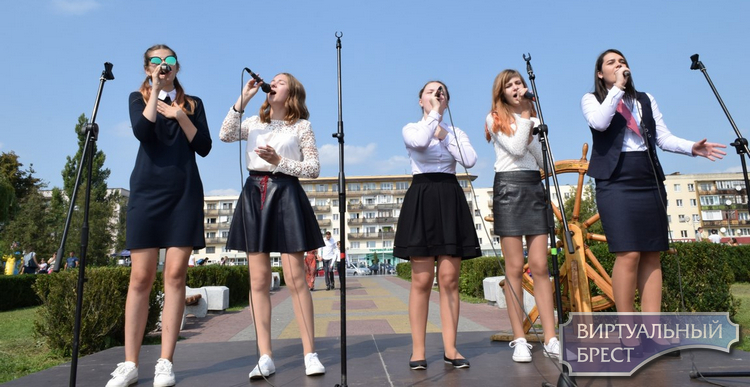 Праздничный концерт «Веселый звонок» состоялся «Упричала»